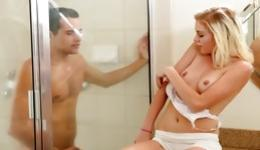 Opinion Naked blonde girls taking a shower