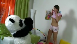 Promiscuous blonde bombshell has a strong desire to try with big panda toy