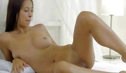 Brown-haired exasperating impressiveness is giving a deepthroat a pretty toy-joystick