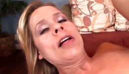 Sassy mature lady is getting mouth and pussy hole penetrated deep